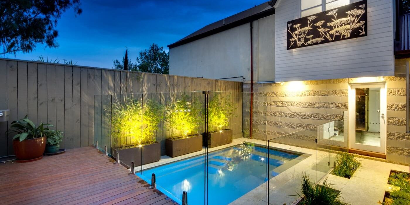 Best Pool Fence for Your Swimming Pool Shape